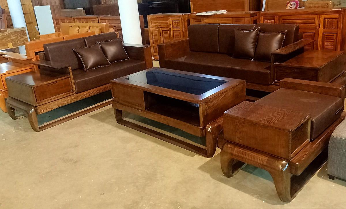 Bộ bàn ghế sofa gỗ màu nâu trầm tạo cảm giác ấm cúng